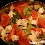 салат с помидорами и фетой