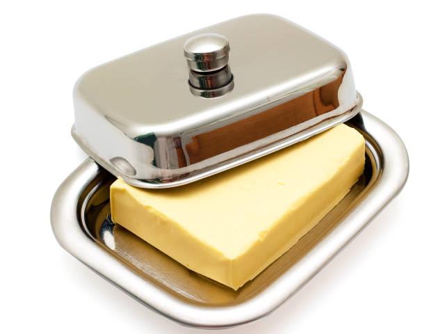 Нужно хранить сливочное масло в холодильнике?