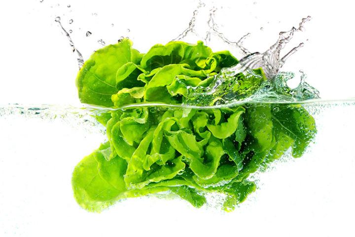 Как правильно мыть овощи и фрукты