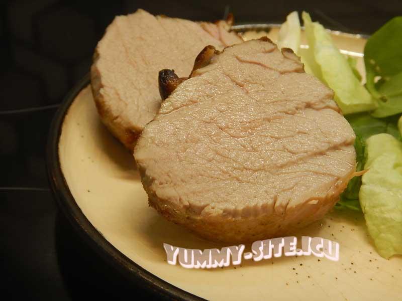 Свиная вырезка в соевом соусе в духовке