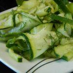 Салат с цуккини и огурцом
